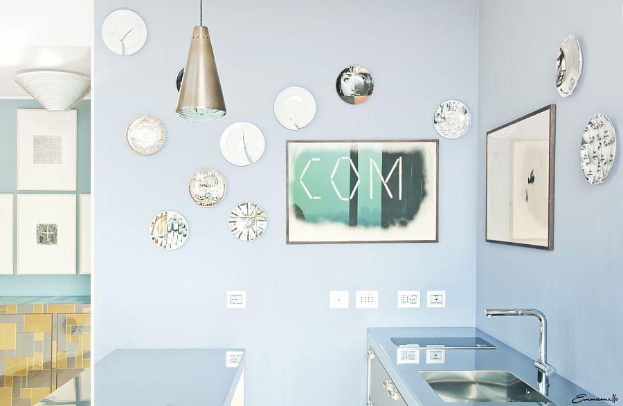 Кухня сделана по проекту художника Александра Мэя Alexander May