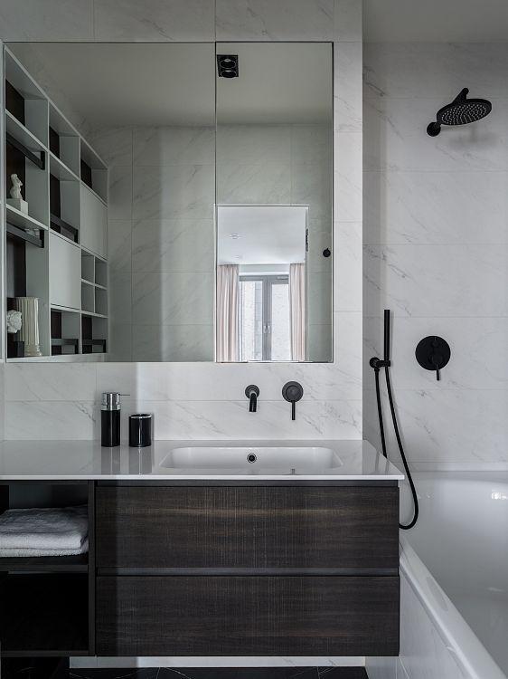 Ванная комната. Мебель, Compab. Столешница изготовлена из Mineralguss.